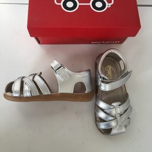 See Kai Run girls silver sandals size 8 new